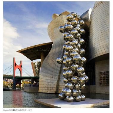 111119-14 bolas de Kapoor1x1 copia